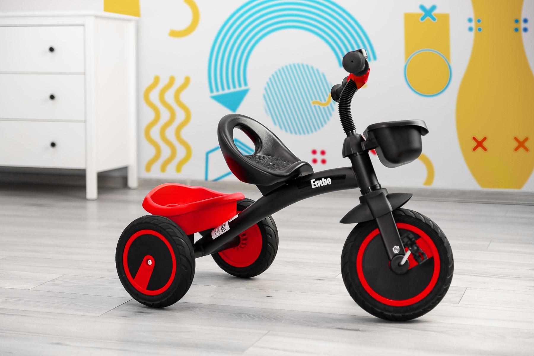 rowerek w pokoju dziecieńcym